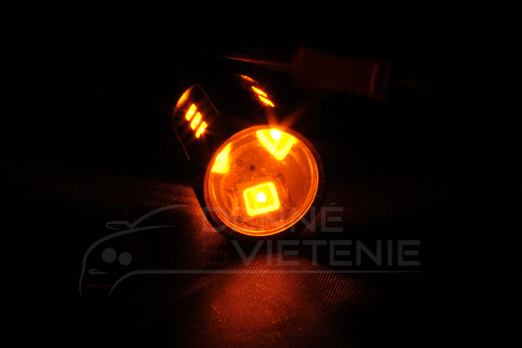 led-ziarovka-exclusive-BAU15S-15LED-oranzova-3